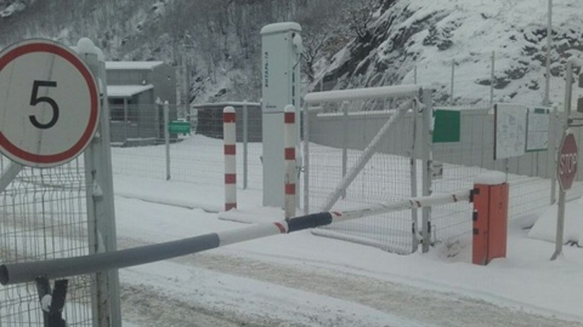 Военно-Грузинскую дорогу закрыли из-за схода лавины
