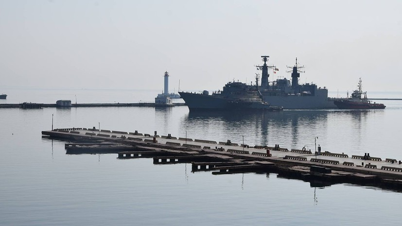 На Украине сообщили о планах группы кораблей НАТО зайти в Чёрное море