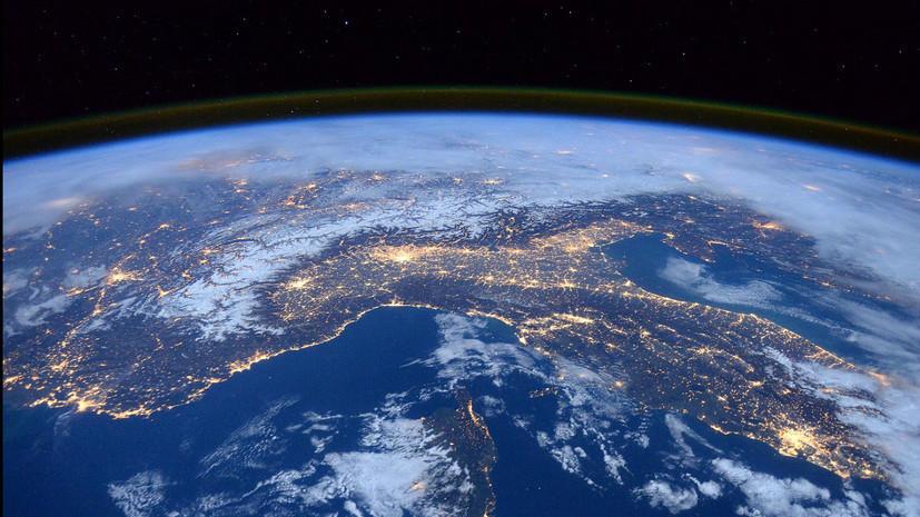 ВКС России подтвердили сход с орбиты военного спутника