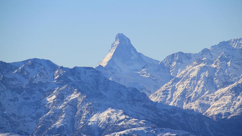 Три человека пострадали в результате схода лавины в Швейцарских Альпах
