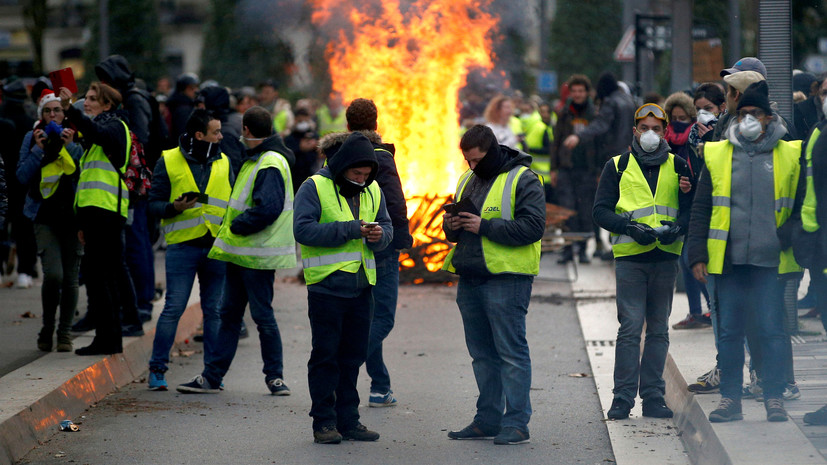 Более 40 человек задержаны в ходе протестов «жёлтых жилетов» в Париже