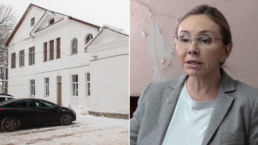 «У вас пороги нечищены»: советовавшая врачам города Струнино помыть полы чиновница инициировала уборку в больнице
