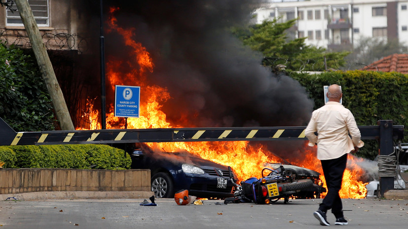 В Найроби боевики напали на отель