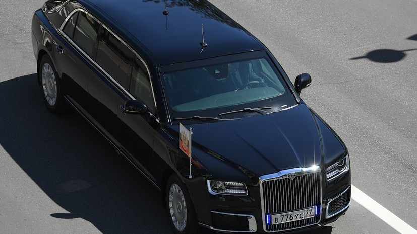 Путин прокатил президента Сербии на лимузине Aurus
