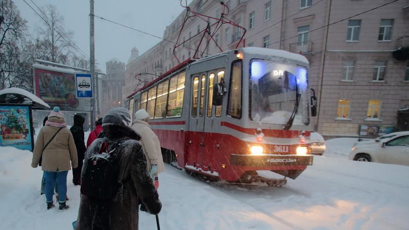 В Петербурге запретили кондукторам высаживать детей-безбилетников из транспорта