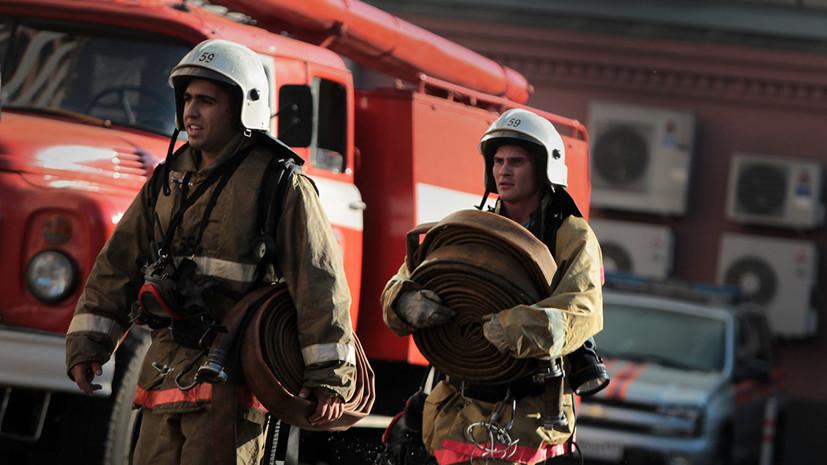 В Амурской области потушили пожар на складе