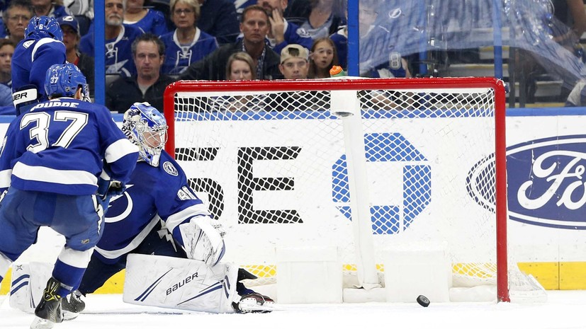 Василевский эмоционально отреагировал на третью пропущенную шайбу в матче НХЛ с «Сан-Хосе»
