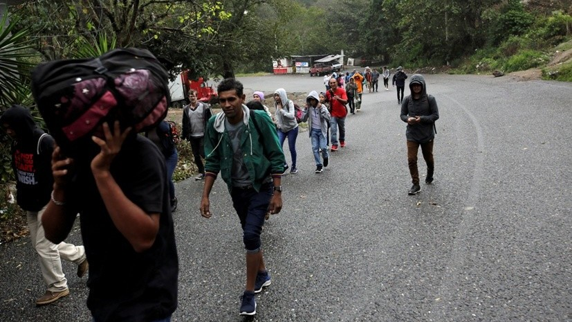 Новый поток мигрантов из Гондураса направляется в сторону США