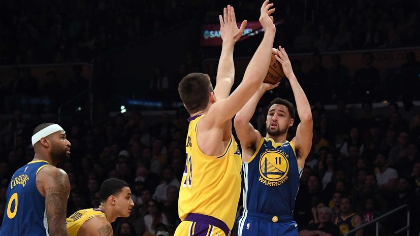 Томпсон повторил рекорд НБА, реализовав десять трёхочковых подряд в матче с «Лейкерс»