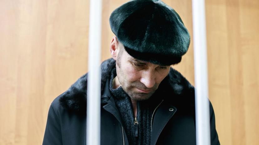 Суд арестовал обвиняемого в угоне самолёта жителя ХМАО