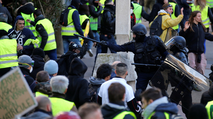 СМИ: В Париже были задержаны 22 участника акций протеста