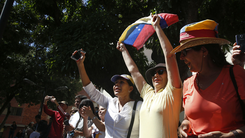 Песков опроверг сообщения СМИ об отправке российских военных в Венесуэлу