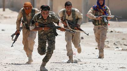 Курдские бойцы из YPG, Сирия