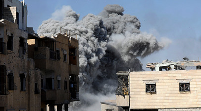 Бомбардировка сирийской Ракки во время операции возглавляемой США коалиции в октябре 2017 года