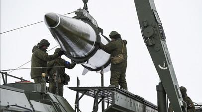 Пуск баллистической ракеты «Искандер-М» на полигоне Капустин Яр в Астраханской области