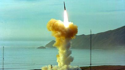 Пуск межконтинентальной баллистической ракеты LGM-30G Minuteman III
