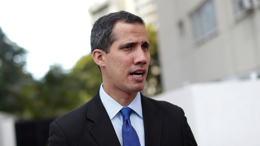 СМИ: Генерал ВВС Венесуэлы признал Гуаидо исполняющим обязанности президента