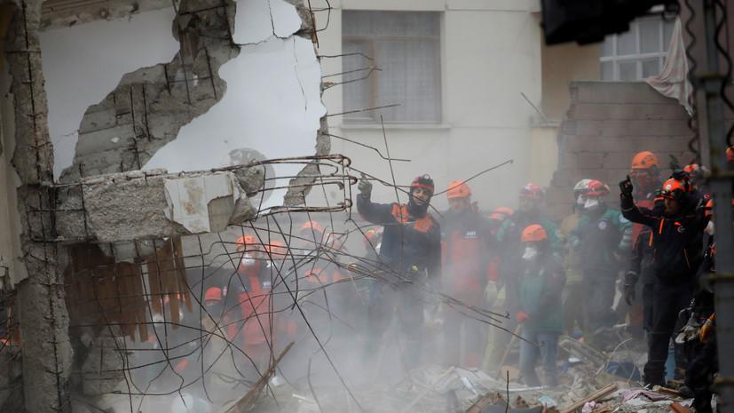 Число погибших при обрушении дома в Стамбуле возросло до шести