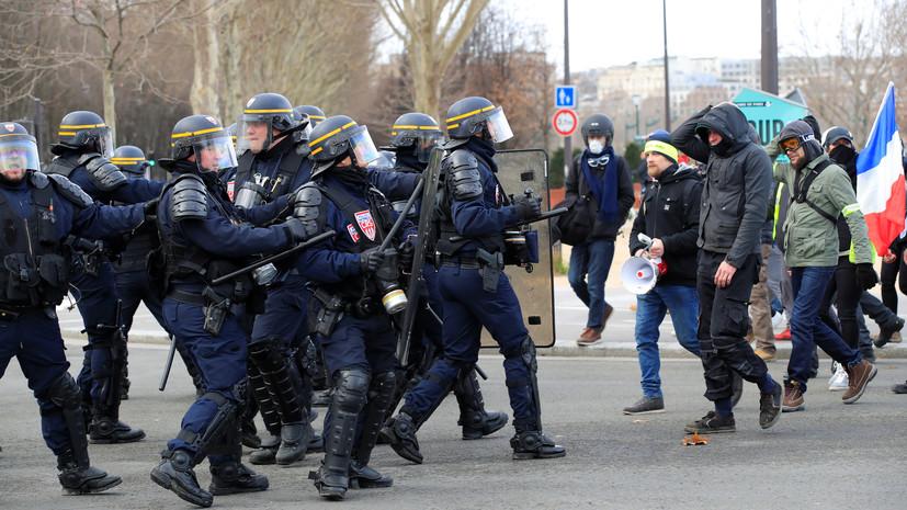 Полиция задержала 36 человек в ходе протестов в Париже