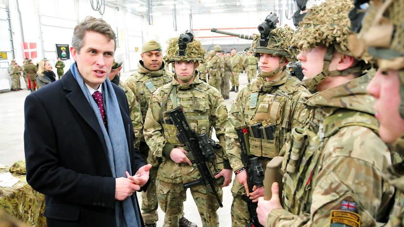 «Пещерная русофобия»: в Великобритании призывают быть готовыми противостоять новейшему вооружению России