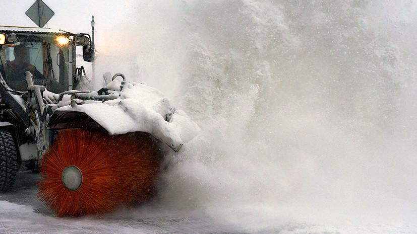 В Петербурге намерены закупить дополнительную снегоуборочную технику к следующей зиме