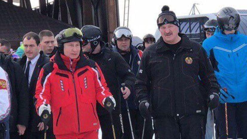 Путин и Лукашенко покатались на горных лыжах