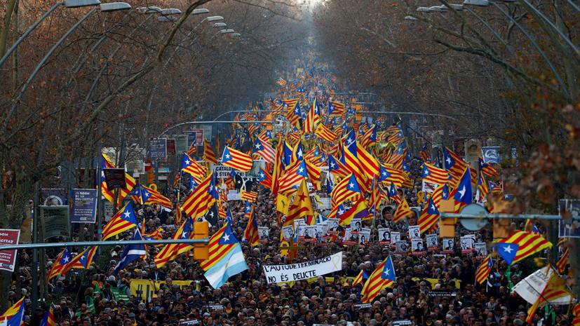 В Каталонии при столкновениях протестующих с полицией пострадали 28 человек