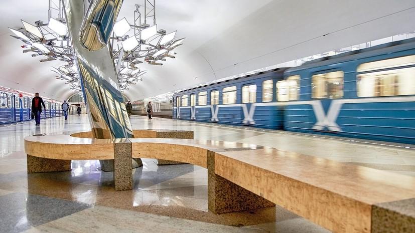 В поездах московского метро появилось 150 плакатов о кино