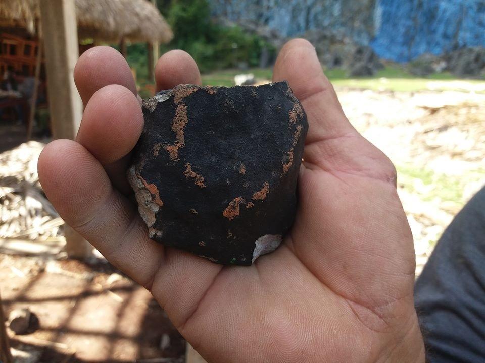 фото метеоритов упавших на землю украсить монохромный