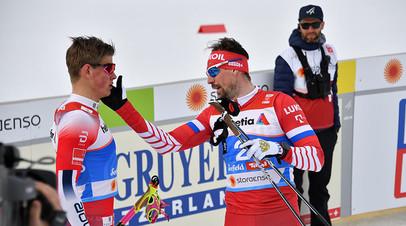 Норвежец Йоханнес Клебо и россиянин Сергей Устюгов после полуфинального забега