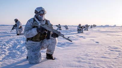 Российские военнослужащие в Арктике