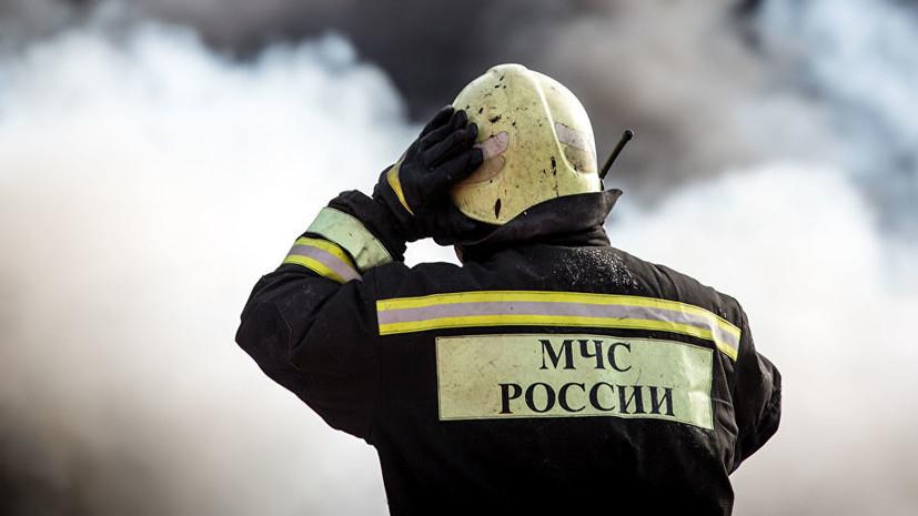 В Петербурге произошёл пожар в здании автосервиса