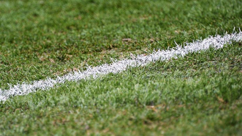 Футболист габонского клуба «Аканда» скончался после падения во время матча
