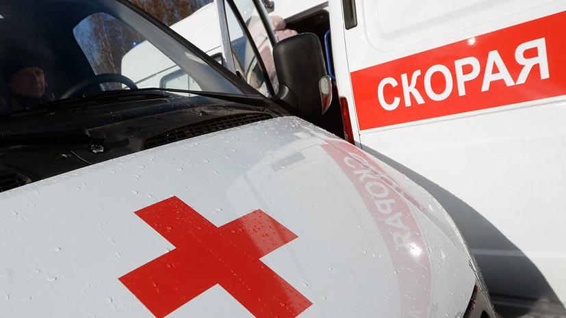 При столкновении такси со столбом в Москве погибли два пассажира
