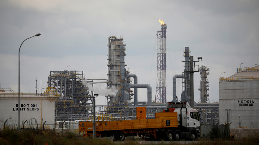 Мировые цены на нефть растут в начале торгов