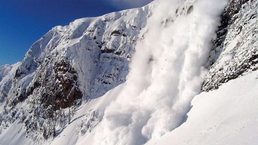 Спасатели предупредили о риске схода лавин в горах Крыма