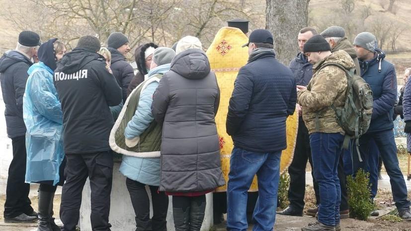 В Винницкой области сторонники новой церкви пытались захватить храм УПЦ