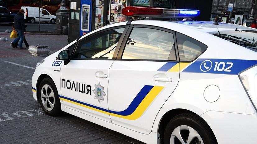 На Украине мужчина бросил гранату в полицейских