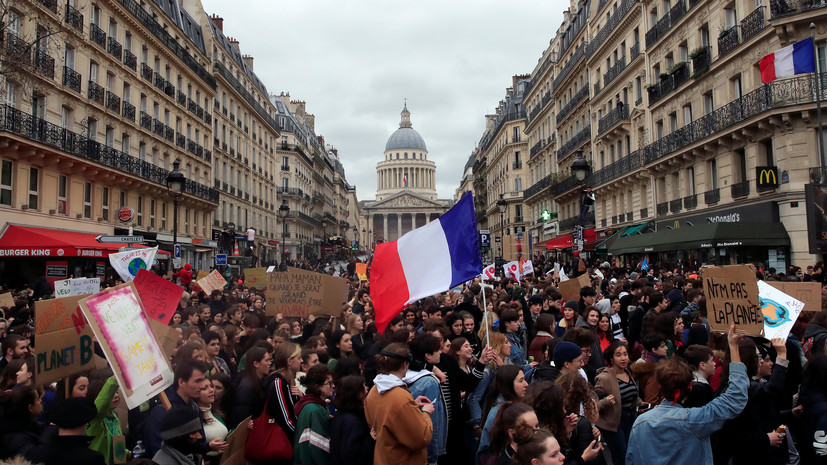 МИД предупредил россиян о забастовке во Франции 19 марта