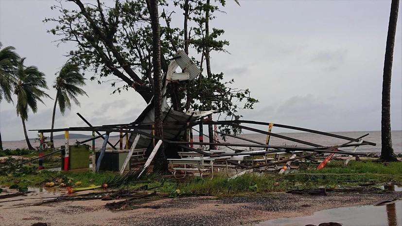 На севере Австралии объявили режим ЧС и эвакуацию из-за мощного циклона