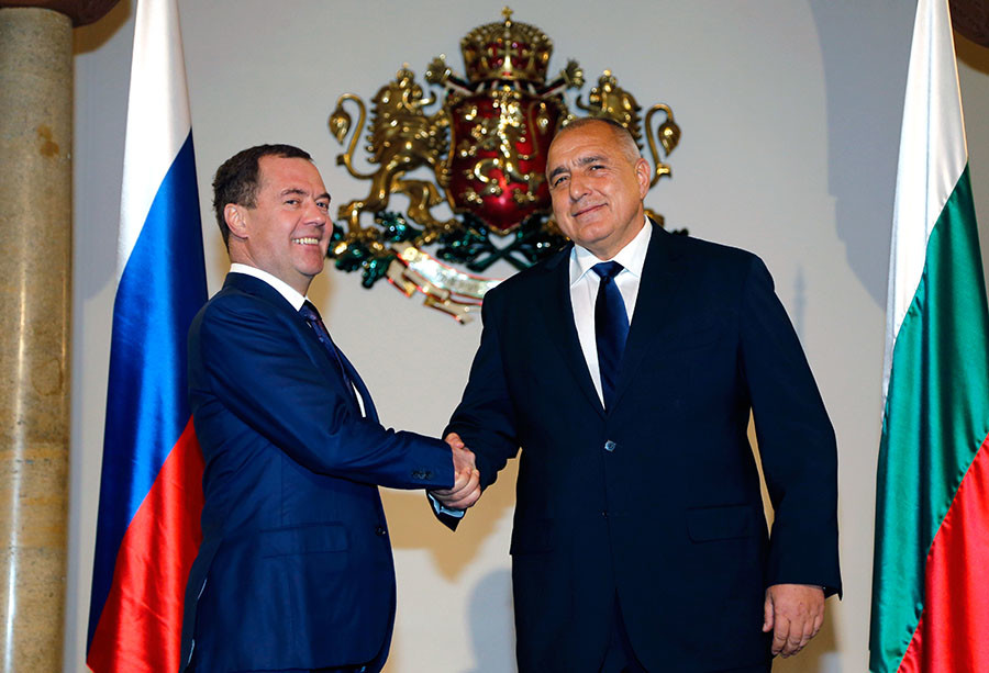 Either Russian gas, or empty promises of the West