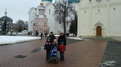 В Костромской области многодетной семье три года не выплачивают детские пособия