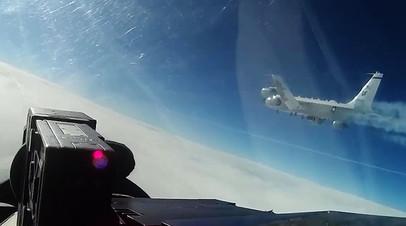 Самолет-разведчик США RC-135 над нейтральными водами Балтийского моря