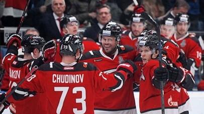 «Авангард» разгромил «Барыс» и вышел вперёд в серии второго раунда плей-офф КХЛ
