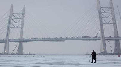 Спасатели призвали не выходить на «смертельно опасный лёд» водоёмов в Петербурге