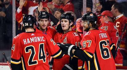 Клуб НХЛ «Калгари» заключил трёхлетний контракт с российским нападающим Завгородним