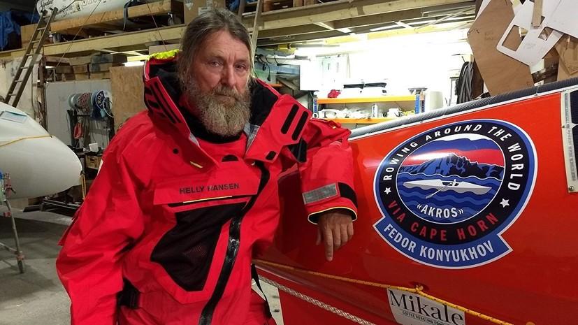 Шторм в Южном океане перевернул лодку Конюхова