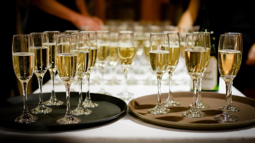 В России предложили разрешить алкоголь во всех учреждениях культуры