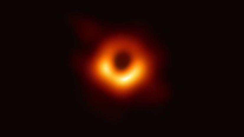 Космический дебют: о чём может рассказать первая в истории фотография сверхмассивной чёрной дыры