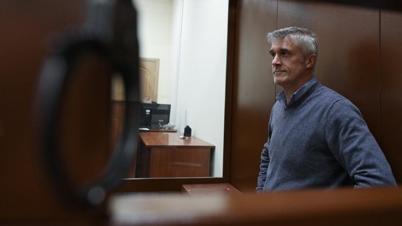 Суд отпустил Майкла Калви под домашний арест